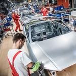 A sztrájk mellett tovább folynak a bértárgyalások a győri Audi-gyárban