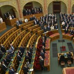 Parlament: indul a vita a Stop Sorosról és az Alaptörvény-módosításról