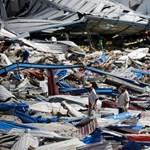 Durva szökőár pusztított Indonéziában