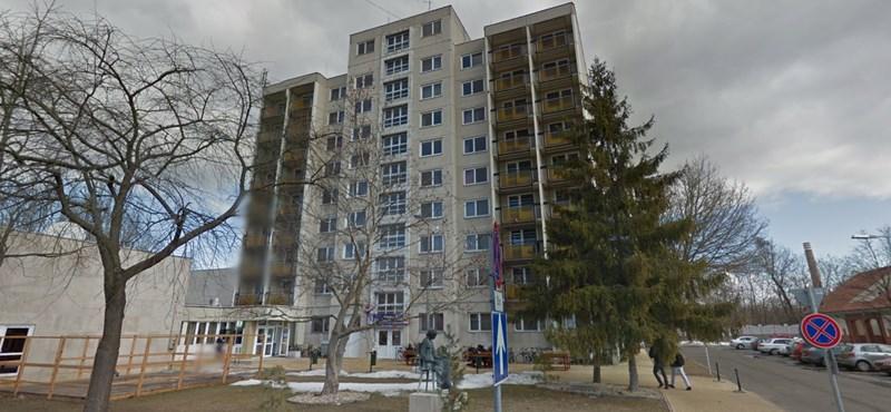 Kiugrott debreceni kollégiuma ablakán egy egyetemista