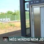 Áprilisra ígérték, még mindig nem működik az albertfalvai megálló liftje