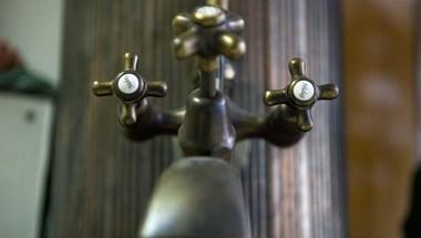 Több száz lakás maradt víz nélkül Budapest XI. kerületében