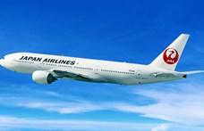 Két nagy japán légitársaság több százezer ügyfelének adatait lopták el hackerek