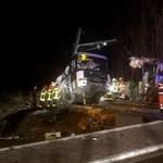 Iskolabusz ütközött vonattal Franciaországban, többen meghaltak