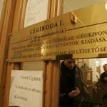 Városnyi embert tiltottak el eddig cégügyektől Magyarországon