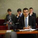 Schiffer kérdésözönnel köszönt be az új fejlesztésiminiszter-jelöltnek
