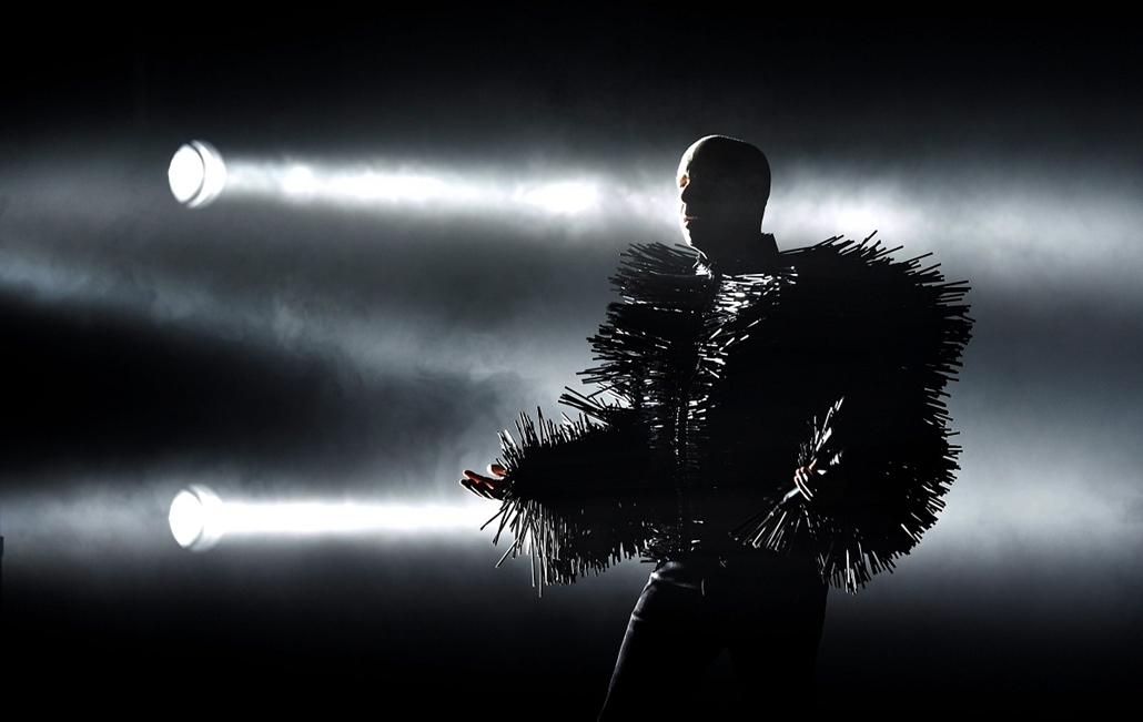 mti.14.07.07. - Bp: Neil Francis Tennant énekes (b) és Christopher Sean Lowe billentyűs a brit Pet Shop Boys együttes koncertjén a Budapest Park szórakozóhelyen