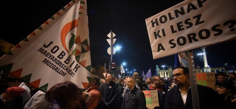 A Jobbik-tüntetés mérlege: Vona Gábor egy mezővel előre léphet