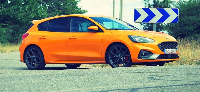 """Ez a """"Fóka"""" harap is - Ford Focus ST menetpróba"""