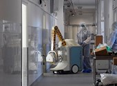 A kormány szerint elegendőek lesznek az intézkedések, újabb két halott - koronavírusról percről percre