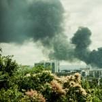 Eljárást indít a rendőrség az angyalföldi raktártűz miatt