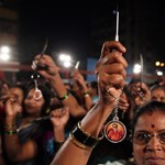 Öngyilkos lett az indiai diáklány egyik erőszakolója