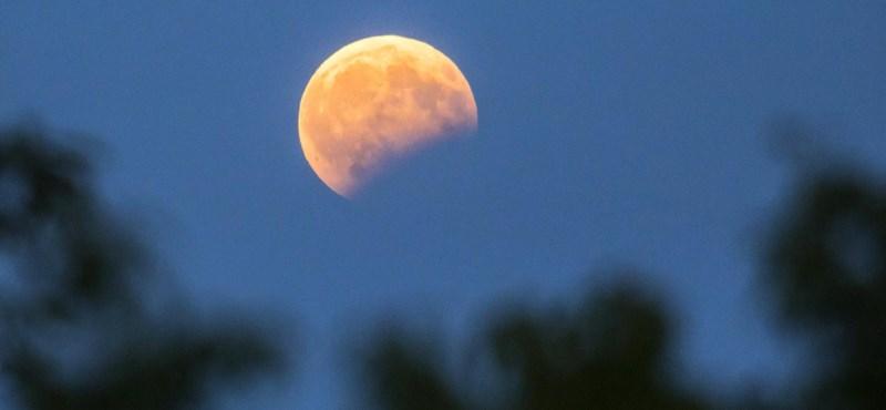 Készüljön: az évszázad leghosszabb, 103 perces teljes holdfogyatkozása lesz pénteken
