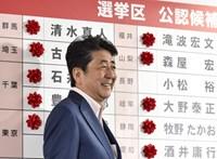 A japán felsőházi választáson többséget szerzett az Abe Sindzó vezette kormánykoalíció