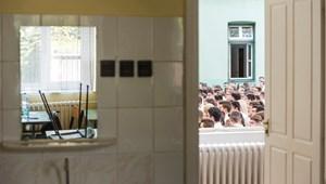 Még nem tárgyalt a kormány a pedagógusok 30 százalékos béremeléséről