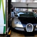 Szentségtörés egy Bugattit gépi mosóban tisztítani? – videó