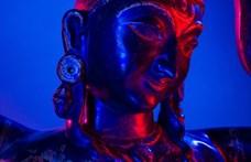 Az indiai női szerepekről látható kiállítás