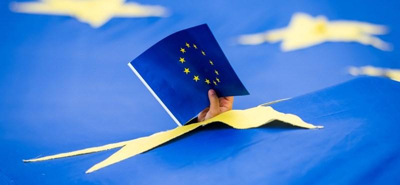 Ha a Facebook varrná az EU zászlaját, bizony, hogy magyar címer lenne a közepén