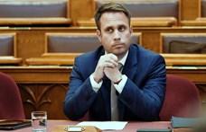 Dömötör Csaba: A vendéglátósokat támogatták azzal, hogy az MTÜ celebektől vett hirdetéseket