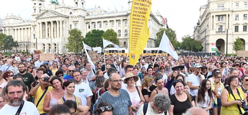 Nem sztrájkot, iskolabojkottot hirdetnek a diákok jövő péntekre