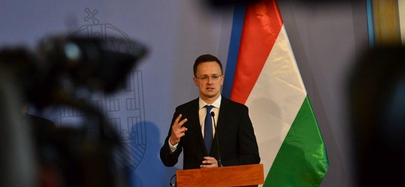 Szijjártó előre leborult Putyin előtt a Reutersnek adott interjújában