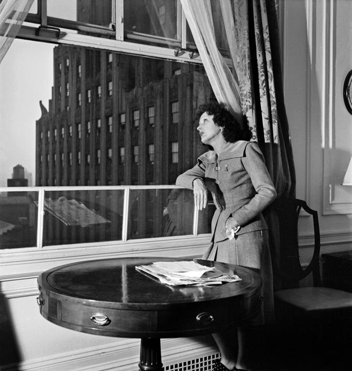 1950. - New York, USA: Edith Piaf  - Edith Piaf fellépése a Carnegie Hallban