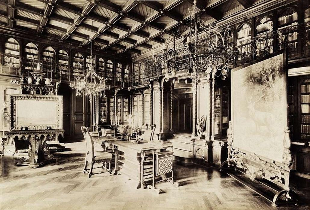 fortep_! - Klösz György kastély nagyítás - Az 1873-ban épült nádasladányi Nádasdy-kastély könyvtárszobája. A felvétel 1895-1899 között készült.