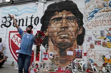 Maradona utcagyerekből Aranykölyök lett, majd megjárta a mennyet és a poklot
