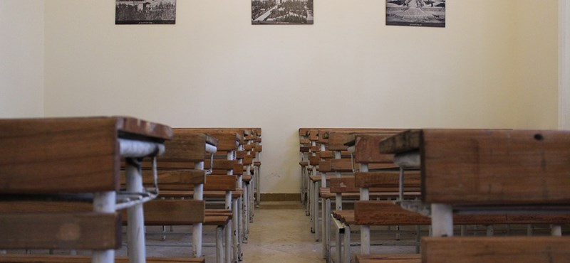 Megható dolgot tettek tanárukkal a diákok: bajba került, saját tanítványai segítettek