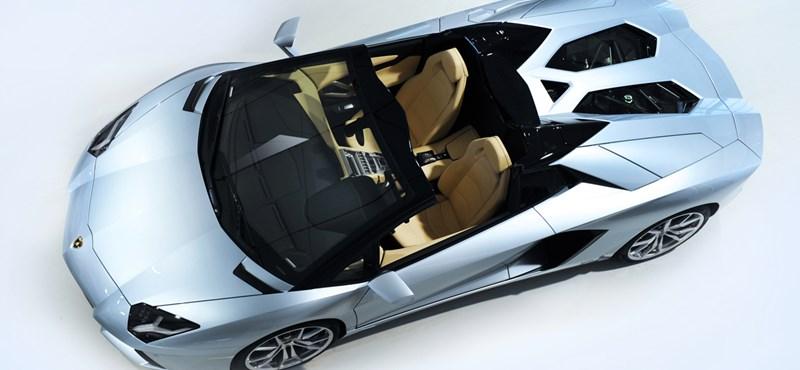 Megérkezett a Lamborghini Aventador Roadster - fotók