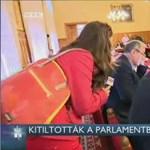 Egy RTL-es riportert is kitiltottak a Parlamentből