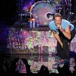Távoltartási végzést kért egy rajongója ellen Chris Martin