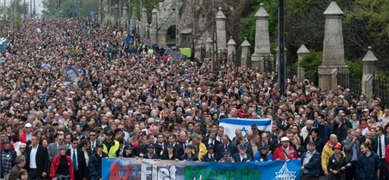 Több ezer ember vonult fel Budapesten - galéria