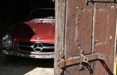 Patinás Mercedes 300 SL-t találtak egy elhagyott pajtában