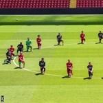 Letérdeltek a Liverpool-játékosok és szolidaritást vállaltak az amerikai tüntetőkkel
