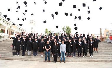 Gyorsan állást találnak a friss diplomások