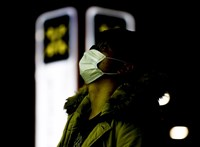 Koronavírus: csökkent az újabb fertőzöttek száma Kínában