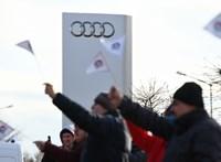 Minimum 60 ezres emelést kérnek a győri Audinál