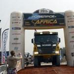 Újra Dakarban a magyar nemzeti lobogó