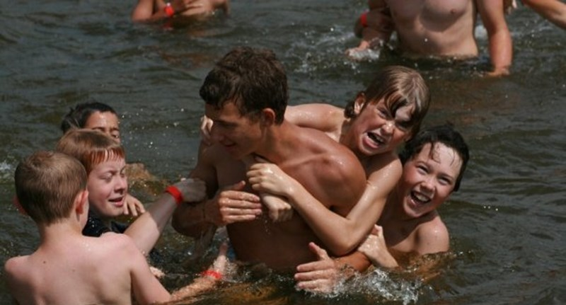 Ismét enyhítettek: egész nyáron szervezhetnek táborokat a köznevelési intézmények