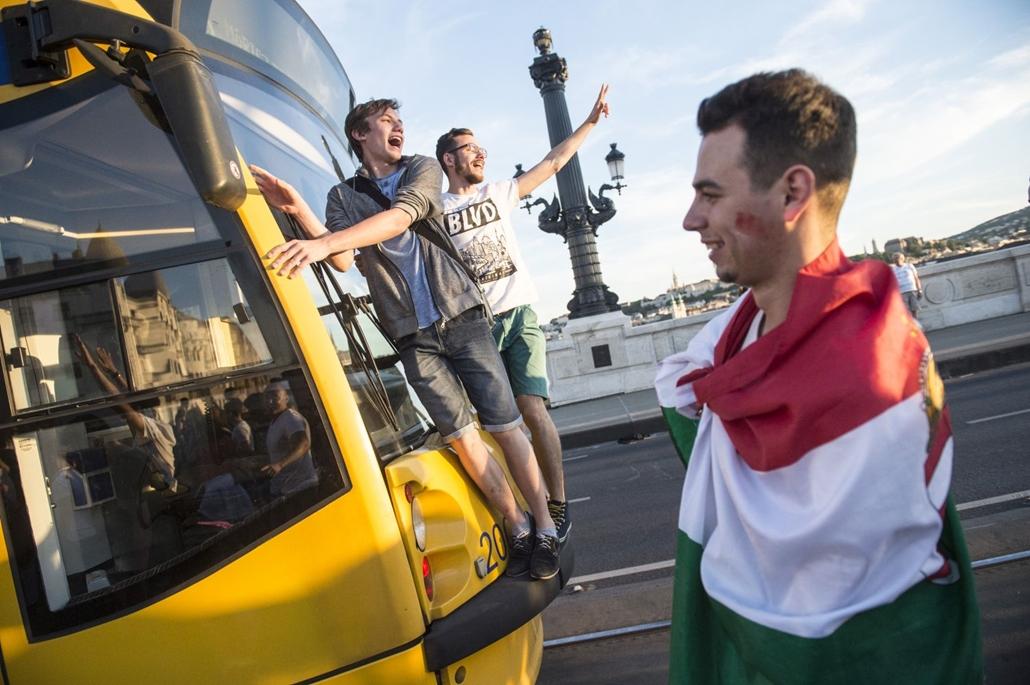 hvgbestof2016 -tg- Döntetlennek így még sosem örültünk! Óriásit küzdött a magyar csapat Izlanddal. hvgbestof2016, nagyítás
