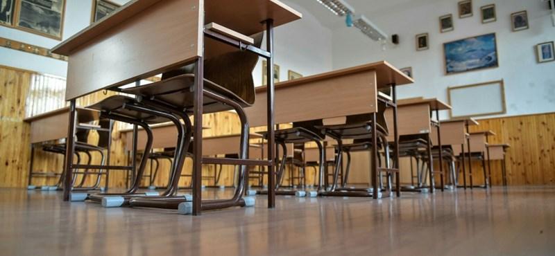 Mi a baj a magyar iskolákkal?