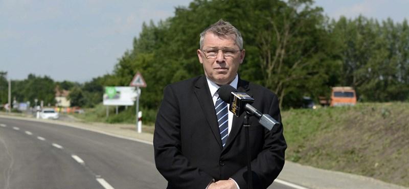 Nyomoznak a fideszes képviselő offshore számlájának ügyében
