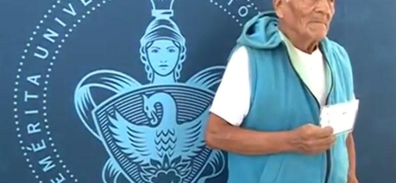 79 éves Mexikó legidősebb elsőéves egyetemistája