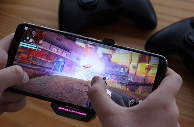 Nem ismer tréfát: teszten a valaha volt legerősebb androidos telefon, az Asus ROG Phone II