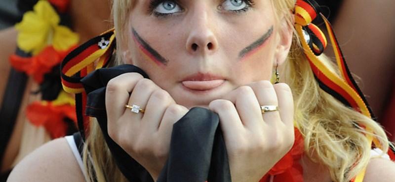 A német szurkolóhölgyek is mindent beleadtak - fotóalbum