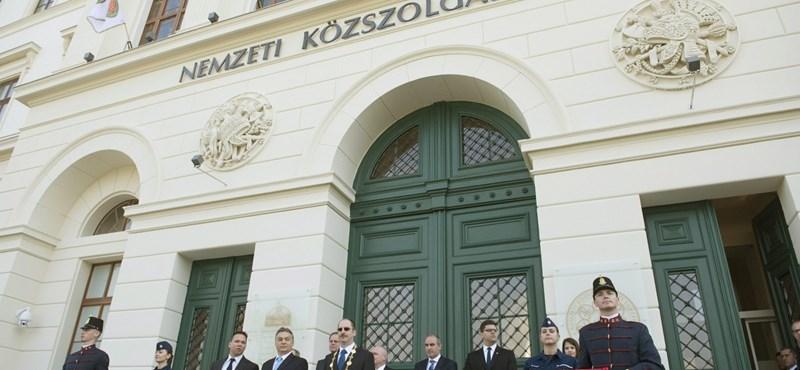 Jól kitömik pénzzel Orbánék kedvenc egyetemét