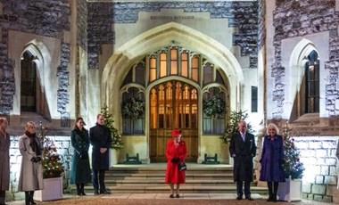 Erzsébet királynőnek nagyon megy a távolságtartás