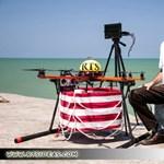 Nem bombát, mentőövet dob az iráni drón