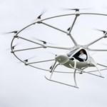 Jövőre már embert is szállíthat a 18 rotoros szuperdrón, 20 órás lesz rá a jogsi – fotók